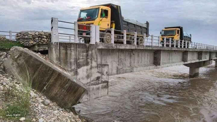 भासियो टीकापुर र राजापुर जोड्ने सत्ती पुल
